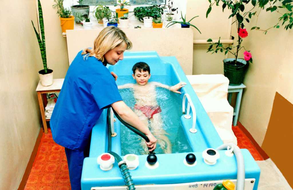 Путевки на санаторное лечение гражданам льготной категории предоставляются Фондом социального страхования