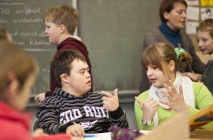 Инклюзивное обучение вводится в большинстве российских школ