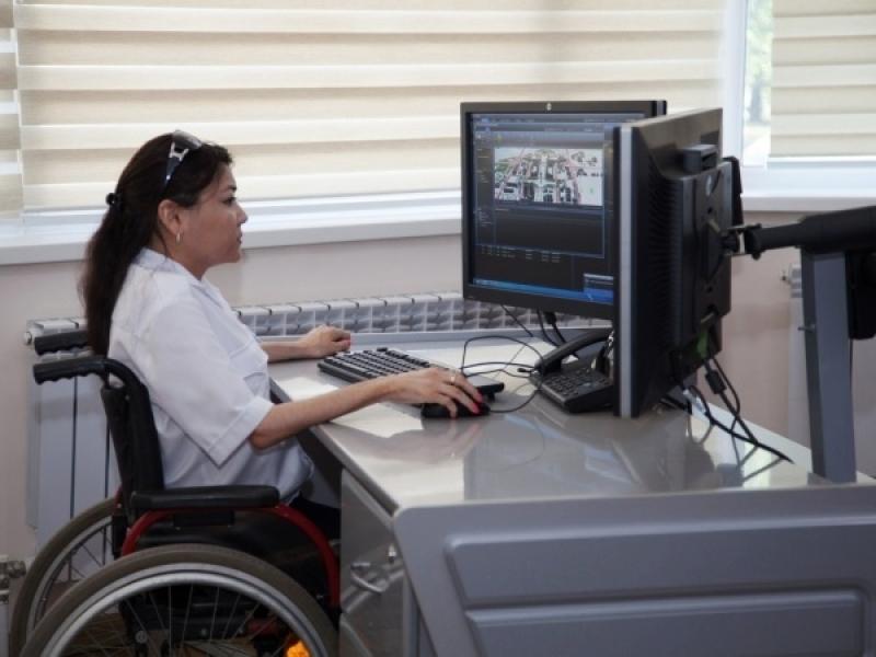 В любом случае, 2 группа инвалидности является рабочей, то есть противопоказаний к трудовой деятельности нет, есть только некоторые ограничения