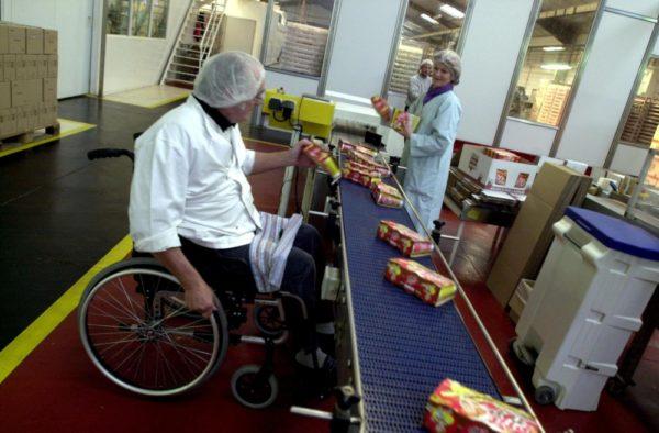 Права инвалида на работе и обязанности работодателя