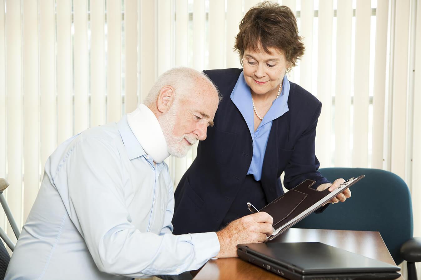 Как вызвать нотариуса на дом к лежачему инвалиду