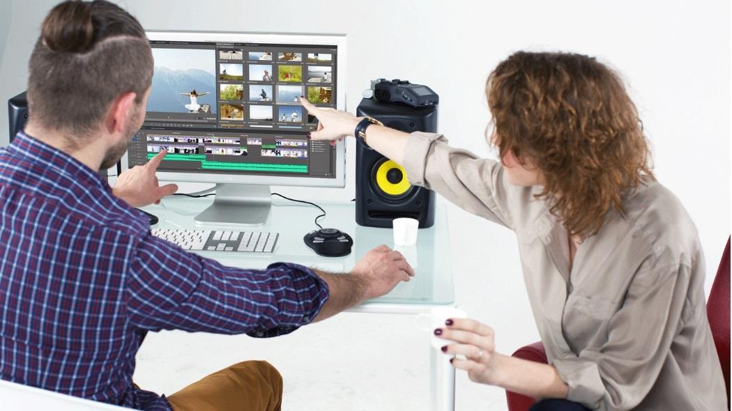 Для работы понадобится компьютер с хорошей видеокартой и программа для монтажа