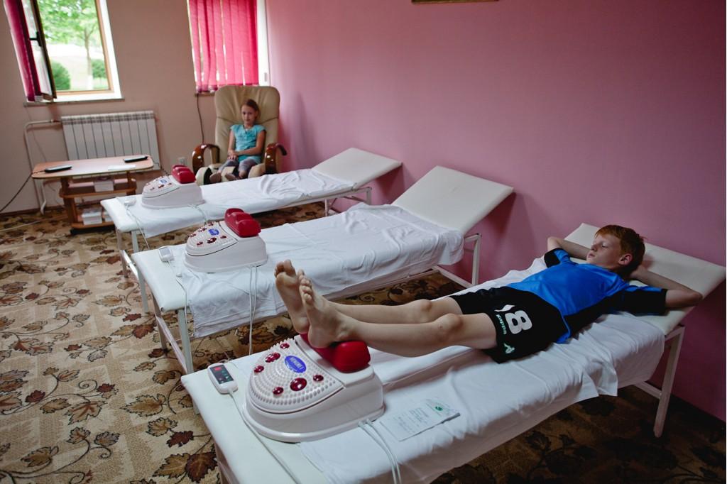 Дети могут находиться в санатории только в сопровождении взрослых
