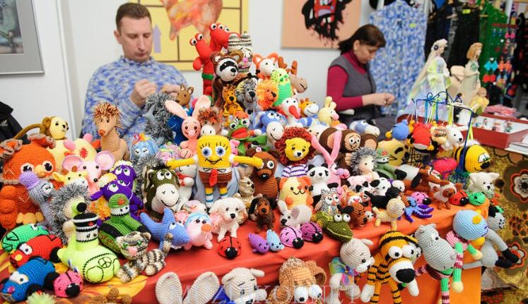 Производство сувениров и игрушек - сейчас один из самых простых и прибыльных видов работы для инвалидов