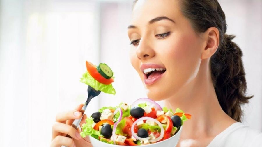 Так что для похудения нужно искать строгий баланс соли, такой, чтобы не испытывать жажды и голода, но при этом нормально усваивать глюкозу