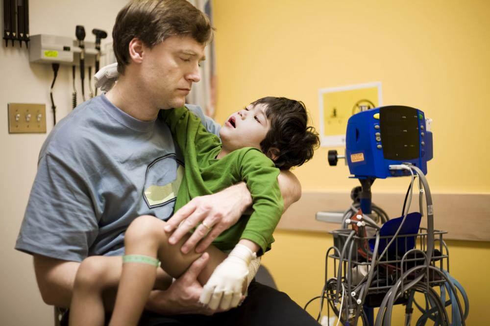 Выход на пенсию для родителей и опекунов детей инвалидов