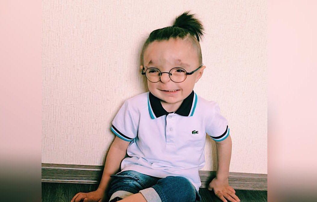 Мальчик инвалид Рустам: я учусь видеть душу