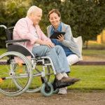 Выплата по уходу за инвалидом 1 группы увеличится в 8 раз